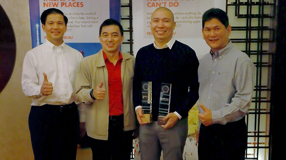 Erwin (2nd from right) is shown here together with Mr. Cesar Romero (left), Vice President for Global Retail Network and Country Chair of Shell Companies in the Philippines; Mr. Oying Yam, Vice President for Retail – Philippines; and Mr. Asada Harinsuit, (right), Vice President for Retail – East