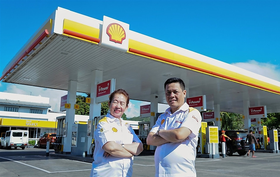 Shell Gusa Retailers Edna and Marc Puertas